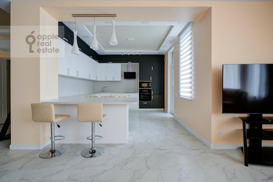 Кухня в 2-комнатной квартире по адресу Мосфильмовская улица 88к7