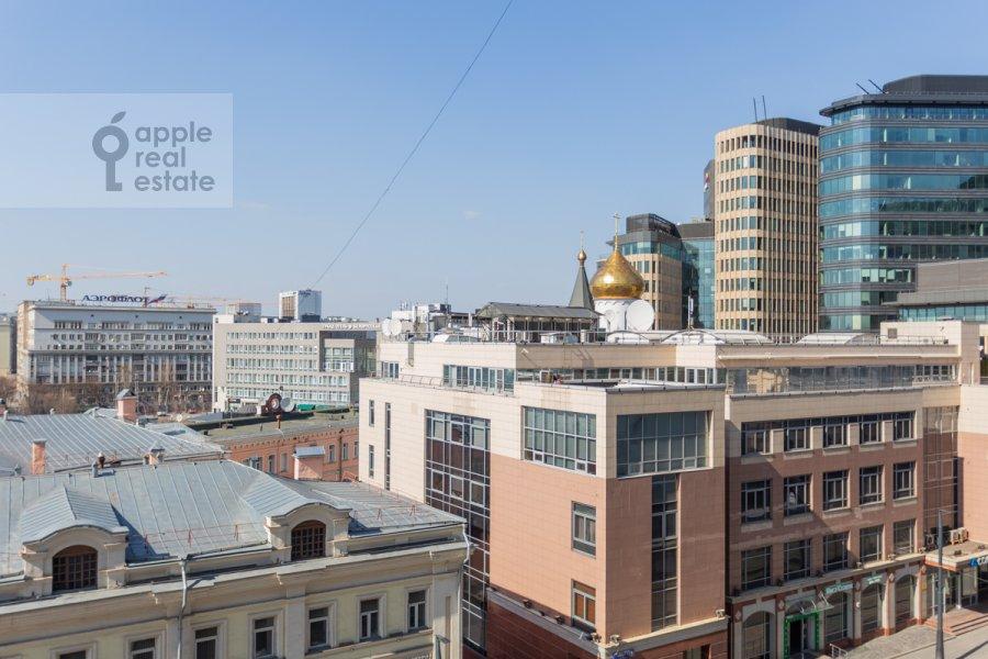 Вид из окна в 2-комнатной квартире по адресу Лесная улица 4с1