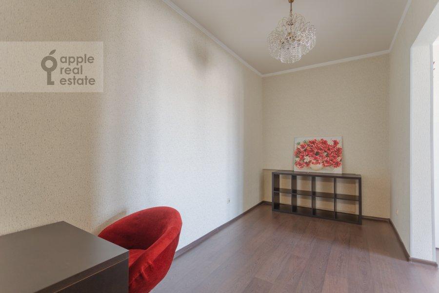 Children's room / Cabinet of the 2-room apartment at Lesnaya ulitsa 4s1