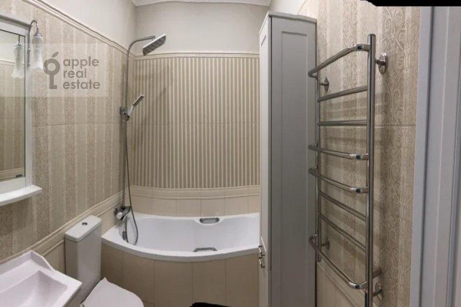 Bathroom of the 3-room apartment at proezd Nevel'skogo 3K2
