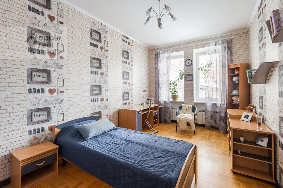 Children's room / Cabinet of the 3-room apartment at Novopeschanaya ulitsa 25/23