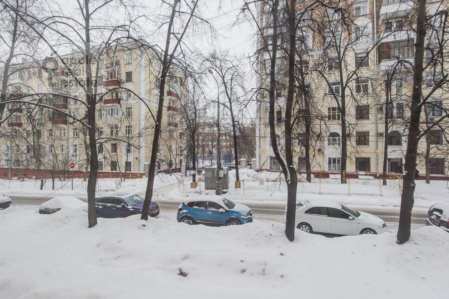 View from the window of the 3-room apartment at Novopeschanaya ulitsa 25/23