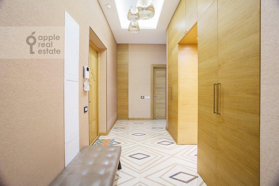 Corridor of the 4-room apartment at Sretenka 26/1