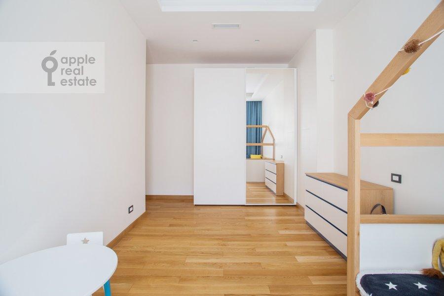 Children's room / Cabinet of the 4-room apartment at Sretenka 26/1