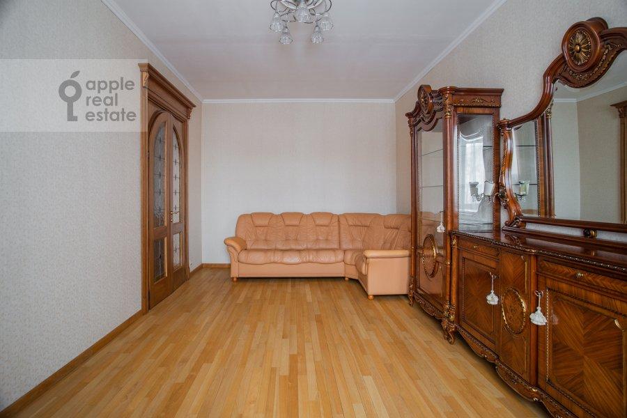 Гостиная в 4-комнатной квартире по адресу площадь Победы 1б