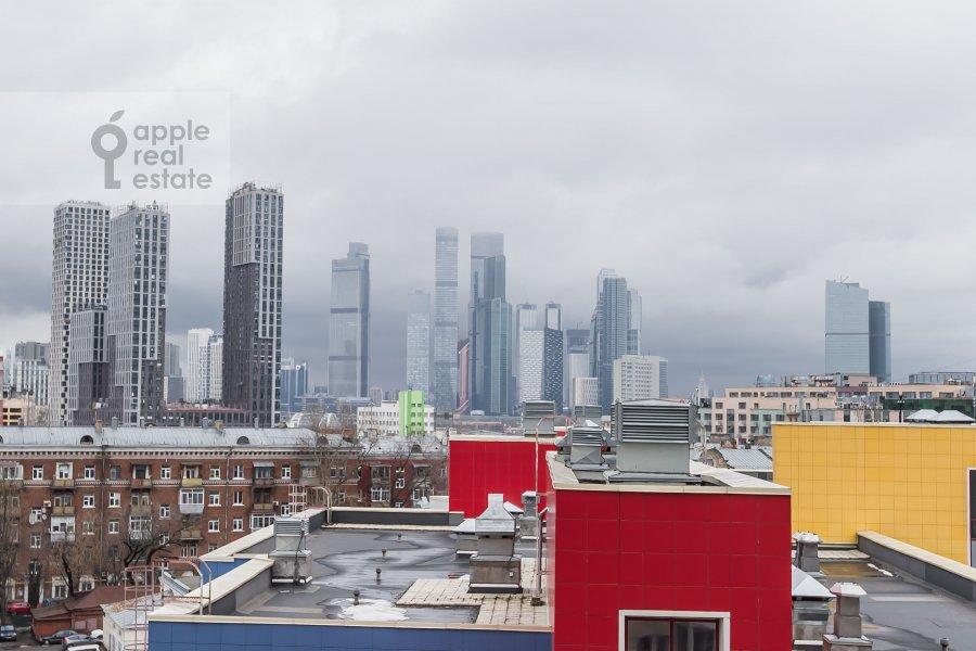 View from the window of the 3-room apartment at 3-ya Filevskaya ulitsa 6k2