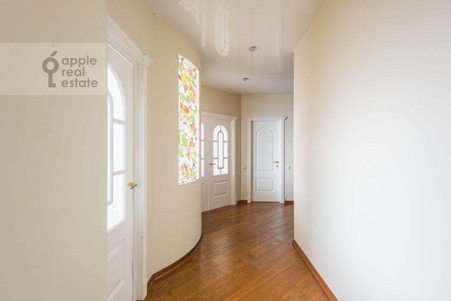 Corridor of the 2-room apartment at Marshala Sokolovskogo 5