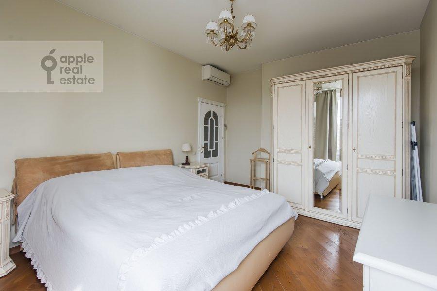 Bedroom of the 2-room apartment at Marshala Sokolovskogo 5