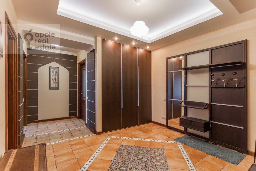 Corridor of the 4-room apartment at Leninskiy prospekt 98K1