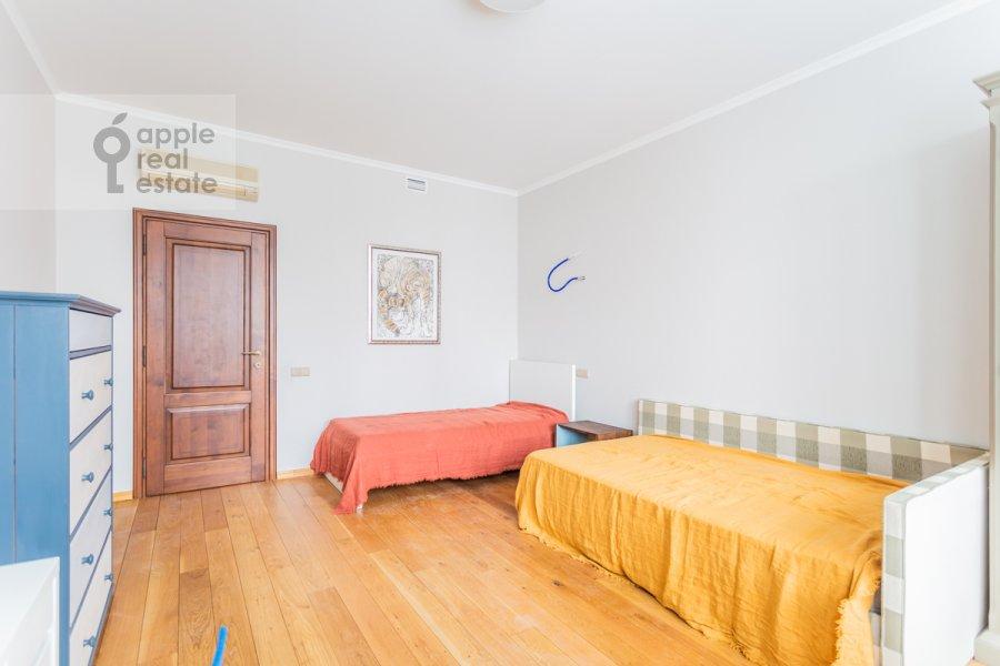 Children's room / Cabinet of the 4-room apartment at Leninskiy prospekt 98K1