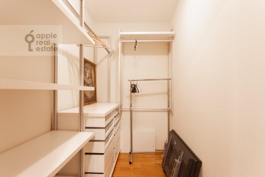 Walk-in closet / Laundry room / Storage room of the 4-room apartment at Leninskiy prospekt 98K1
