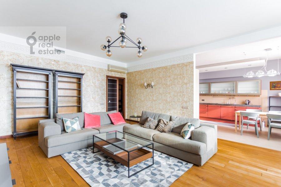 Living room of the 4-room apartment at Leninskiy prospekt 98K1