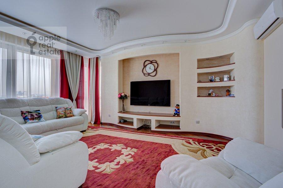 Living room of the 3-room apartment at Marshala Koneva 14
