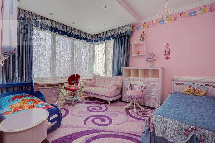 Children's room / Cabinet of the 3-room apartment at Marshala Koneva 14
