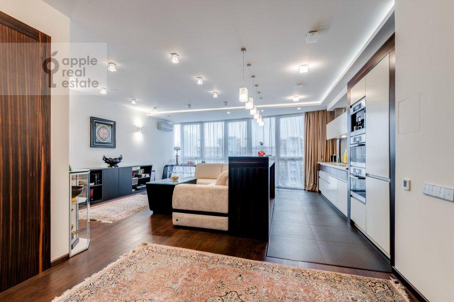 Living room of the 2-room apartment at Bol'shaya Filevskaya ulitsa 16k1