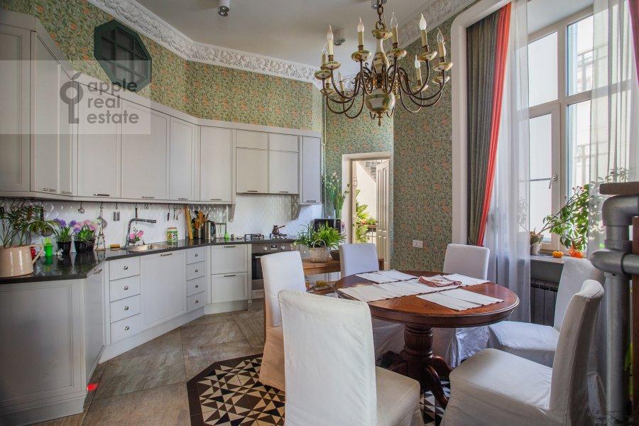 Кухня в 5-комнатной квартире по адресу Староконюшенный переулок 41С2