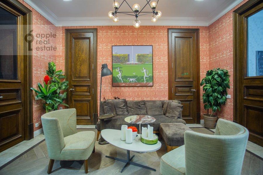 Гостиная в 5-комнатной квартире по адресу Староконюшенный переулок 41С2