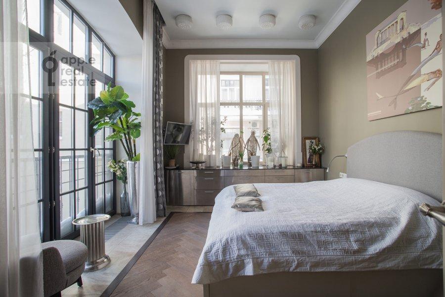 Спальня в 5-комнатной квартире по адресу Староконюшенный переулок 41С2