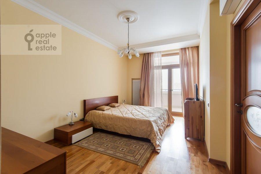 Bedroom of the 3-room apartment at Leninskiy prospekt 92k1