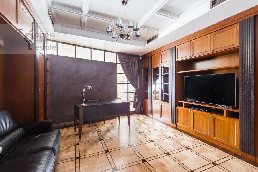 Детская комната / Кабинет в 5-комнатной квартире по адресу Воронцовские Пруды 3