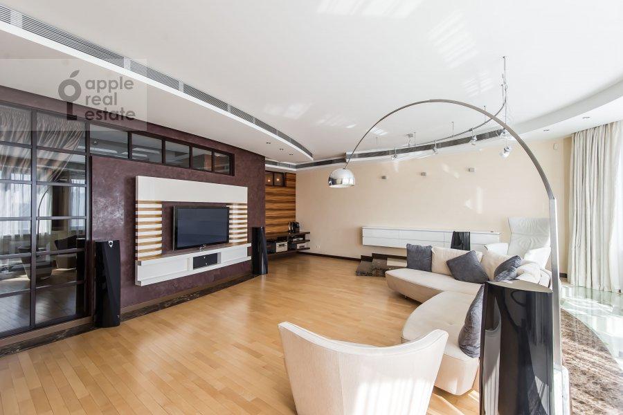Гостиная в 5-комнатной квартире по адресу Воронцовские Пруды 3