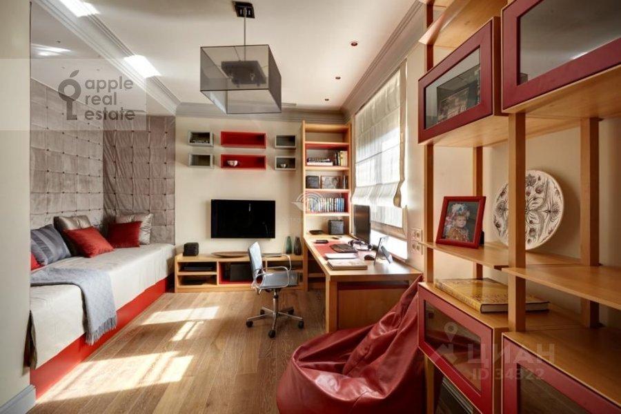 Детская комната / Кабинет в 5-комнатной квартире по адресу Островной проезд 9К1