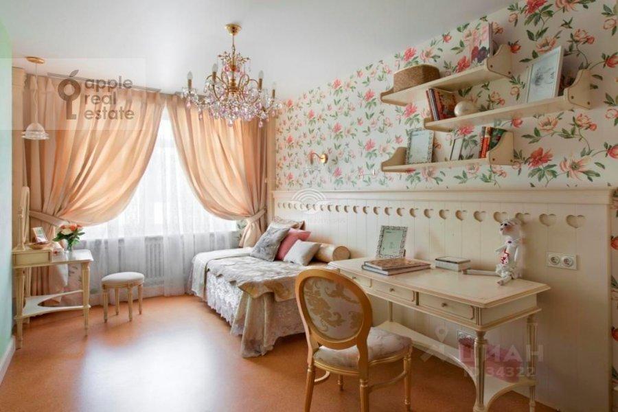 Спальня в 5-комнатной квартире по адресу Островной проезд 9К1