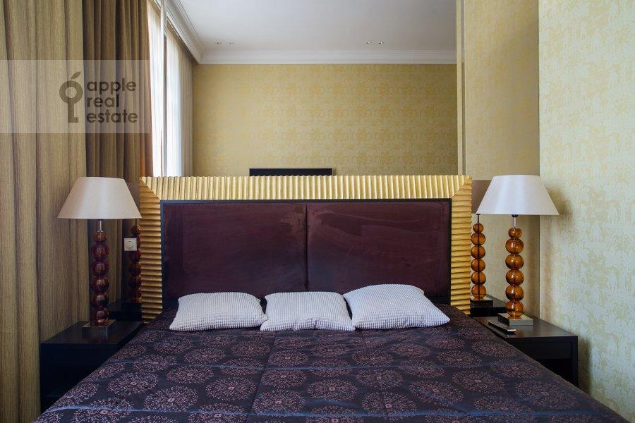 Bedroom of the 3-room apartment at Tverskaya 9