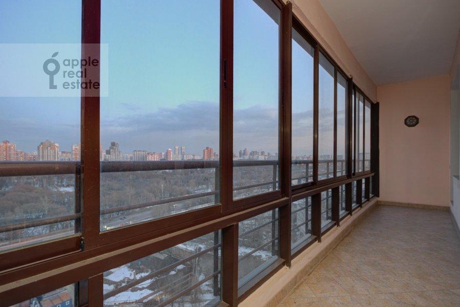 Балкон / Терраса / Лоджия в 3-комнатной квартире по адресу Давыдковская улица 16