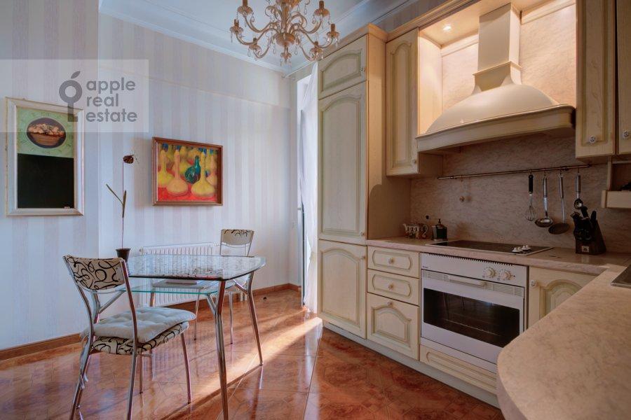 Кухня в 2-комнатной квартире по адресу Смоленский бульвар 3-5с1а