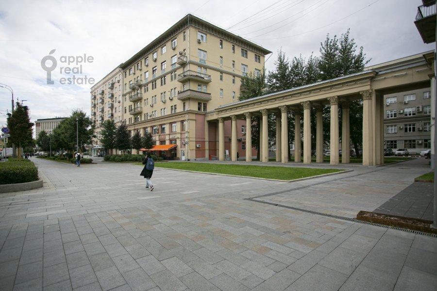 Фото дома 2-комнатной квартиры по адресу Смоленский бульвар 3-5с1а