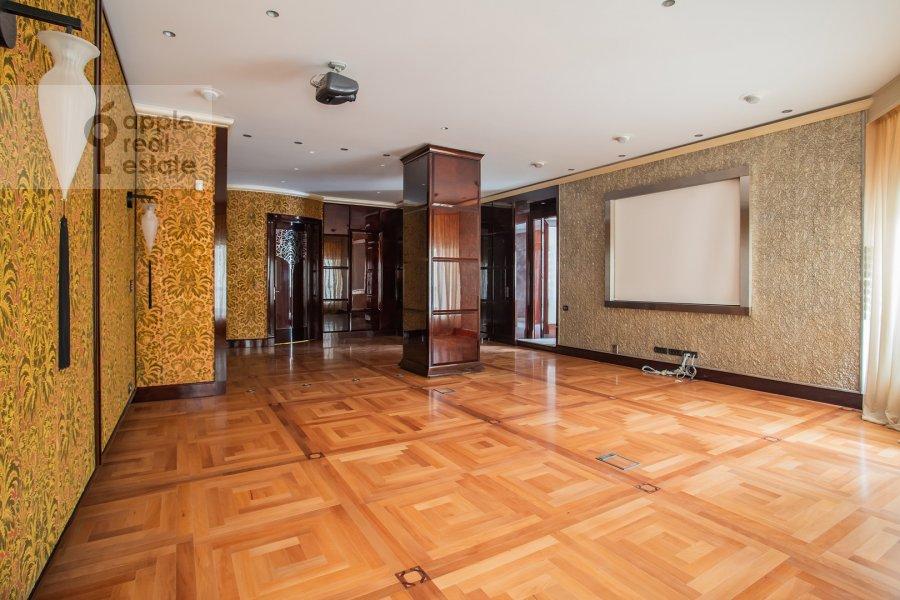 Bedroom of the 5-room apartment at Malaya Bronnaya ulitsa 44