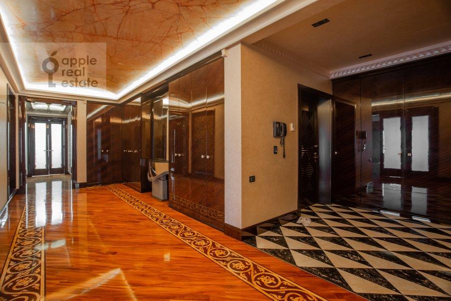 Corridor of the 5-room apartment at Malaya Bronnaya ulitsa 44
