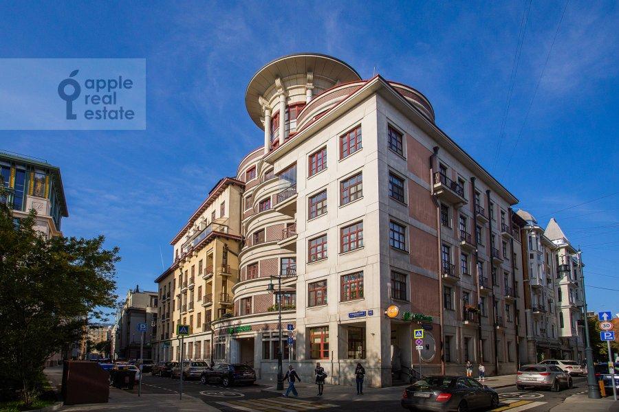 Photo of the house of the 5-room apartment at Bol'shoy Kozikhinskiy pereulok 14s2