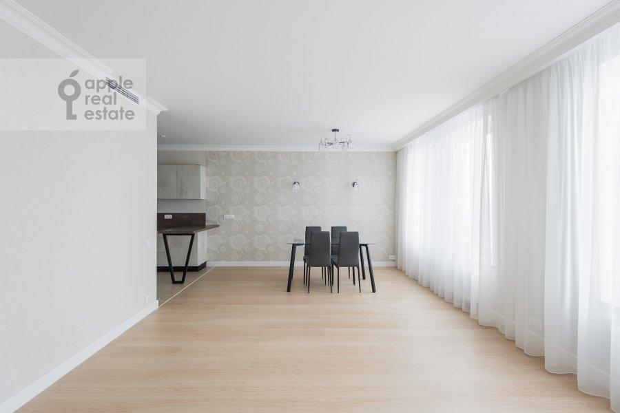 Living room of the 4-room apartment at Leninskiy prospekt 95B