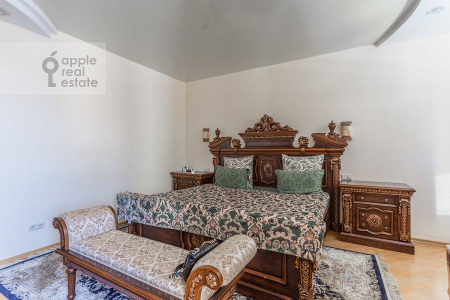 Спальня в 4-комнатной квартире по адресу Береговая улица 6