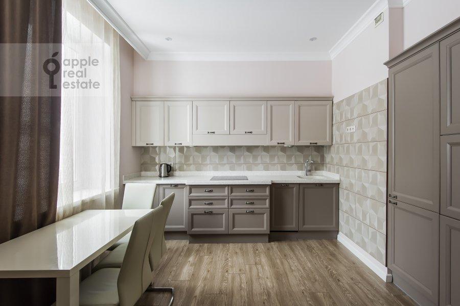 Кухня в 2-комнатной квартире по адресу улица Столетова 19