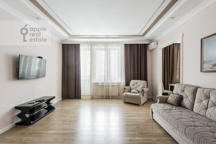 Гостиная в 2-комнатной квартире по адресу улица Столетова 19