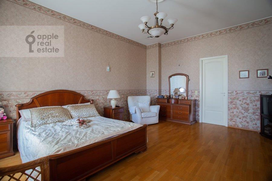 Bedroom of the 4-room apartment at Nikitskiy bul'var 15/16