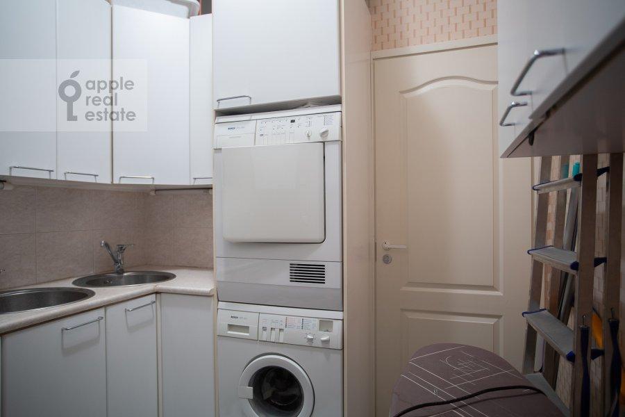 Walk-in closet / Laundry room / Storage room of the 4-room apartment at Nikitskiy bul'var 15/16