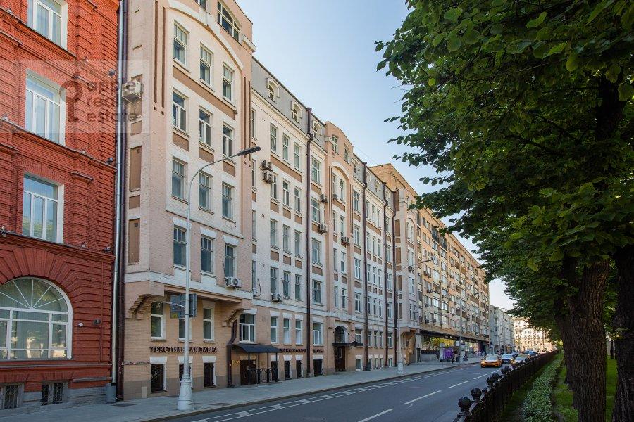 Photo of the house of the 4-room apartment at Nikitskiy bul'var 15/16