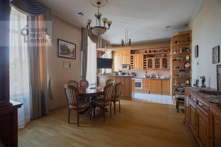 Kitchen of the 4-room apartment at Nikitskiy bul'var 15/16