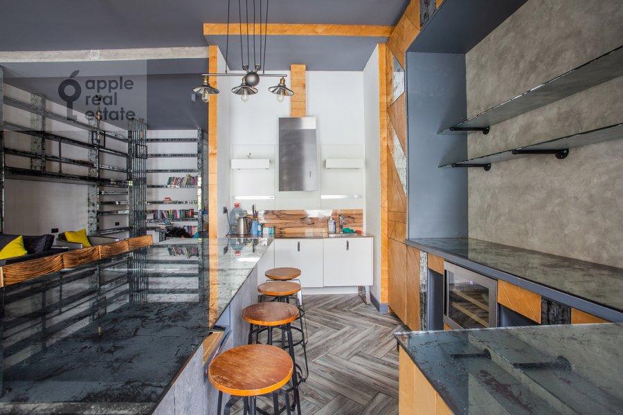 Кухня в 2-комнатной квартире по адресу Староконюшенный переулок 45