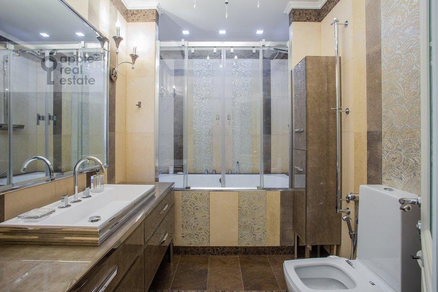 Санузел в 5-комнатной квартире по адресу проспект Вернадского 94к2