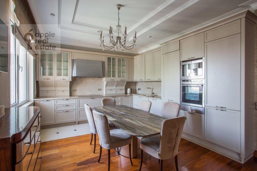 Кухня в 5-комнатной квартире по адресу проспект Вернадского 94к2
