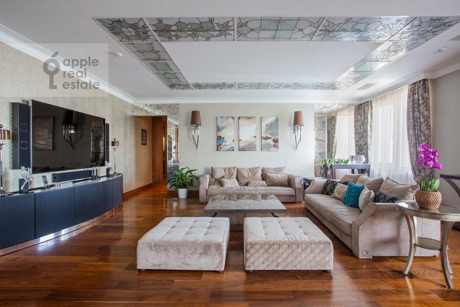 Гостиная в 5-комнатной квартире по адресу проспект Вернадского 94к2