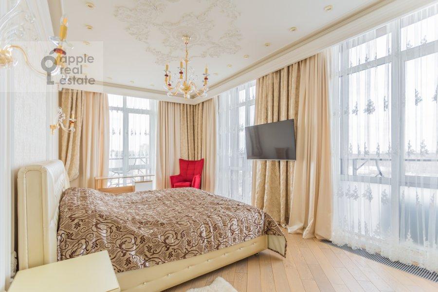Bedroom of the 4-room apartment at 1-ya Myasnikovskaya ulitsa 2