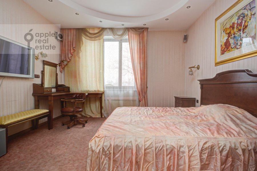 Спальня в 4-комнатной квартире по адресу Грохольский переулок 28