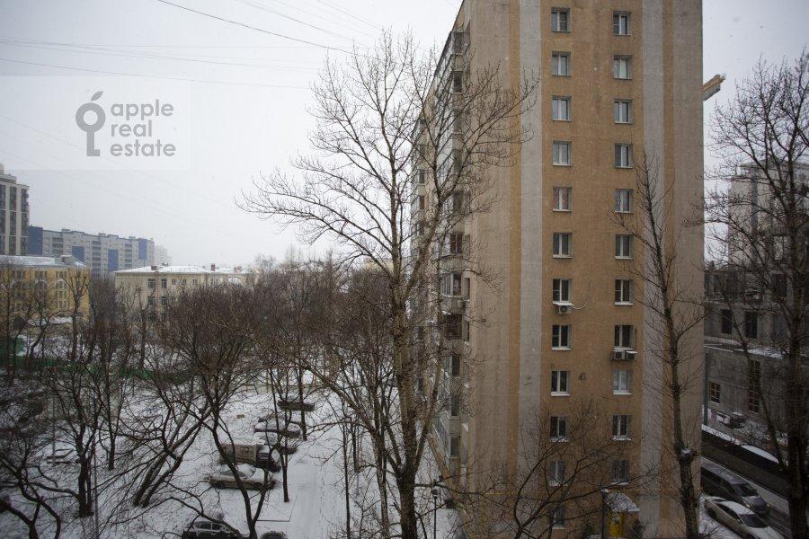 Вид из окна в 4-комнатной квартире по адресу Грохольский переулок 28
