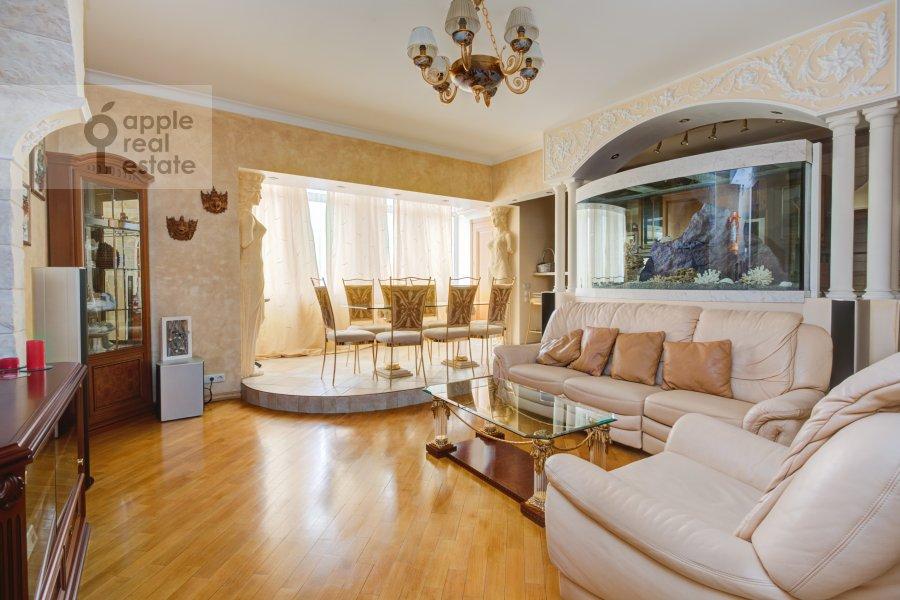Гостиная в 4-комнатной квартире по адресу Грохольский переулок 28